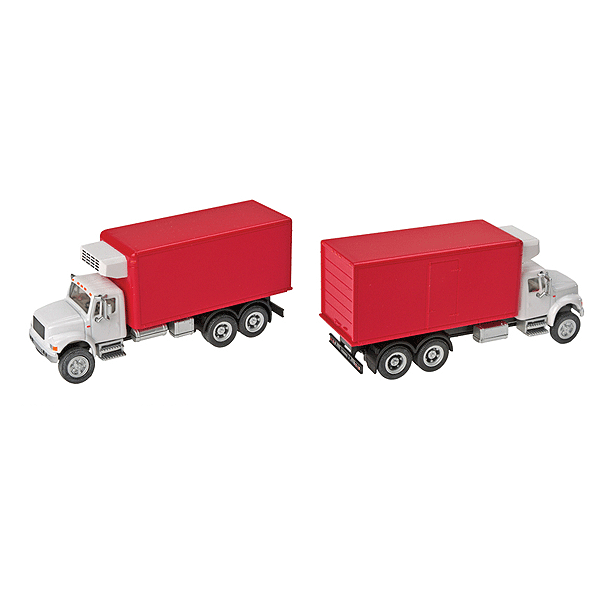 HO Scale: International® 4900 Dual-Axle Refrigerated Van - Red Box