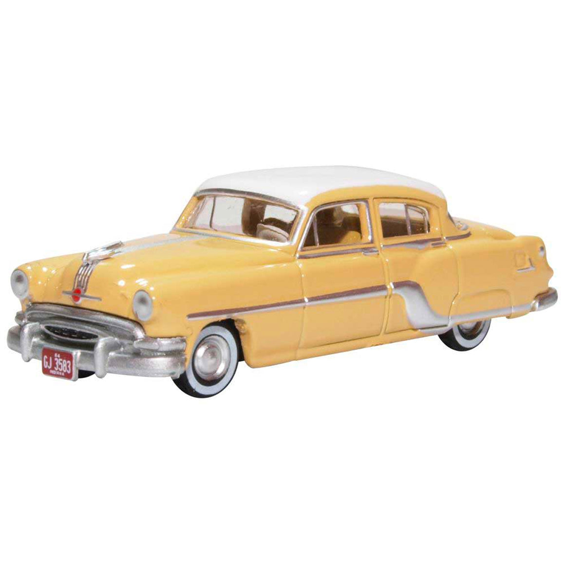 HO Scale: 1954 Pontiac Chieftain 4 Door - Winter White / Maize Yellow