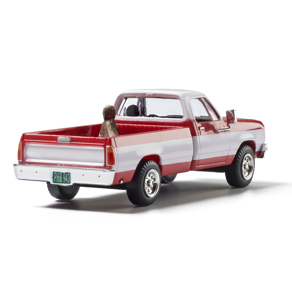 HO Scale: Modern Era Two-Tone Truck