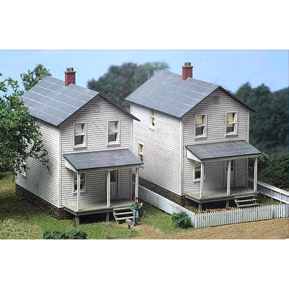 HO Scale: Railroad Street Company House - Three-pack - Kit