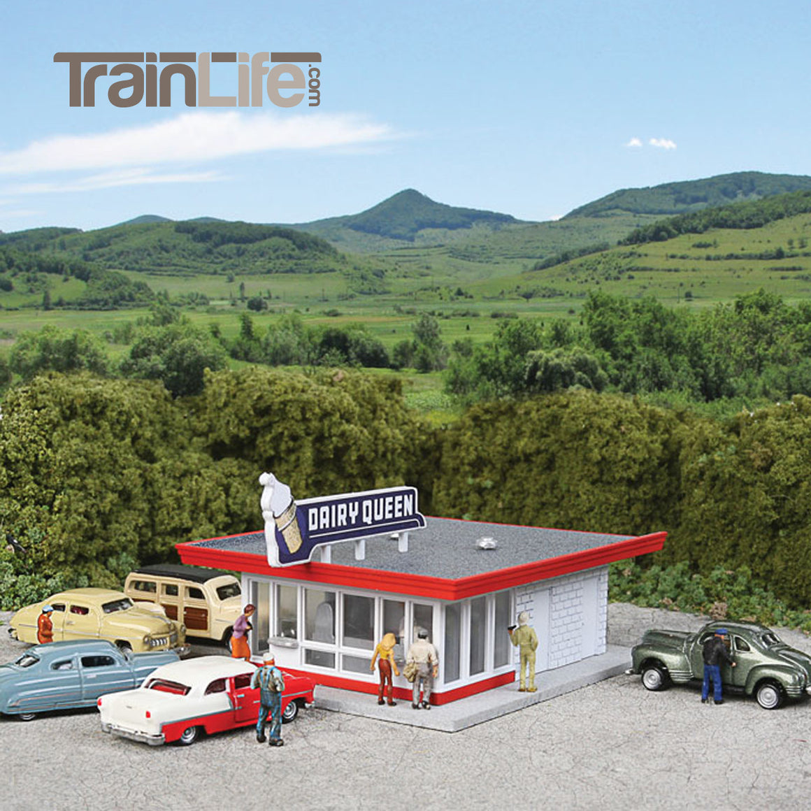 N Scale: Vintage Dairy Queen - Kit