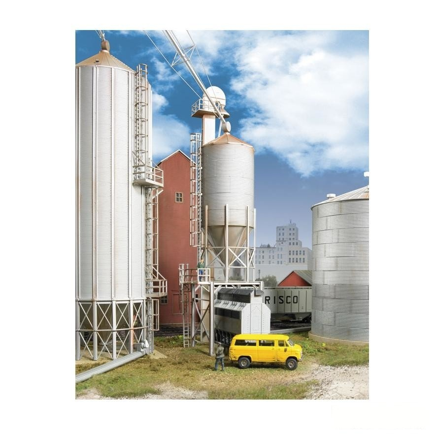 HO Scale: Grain Surge Bin - Kit