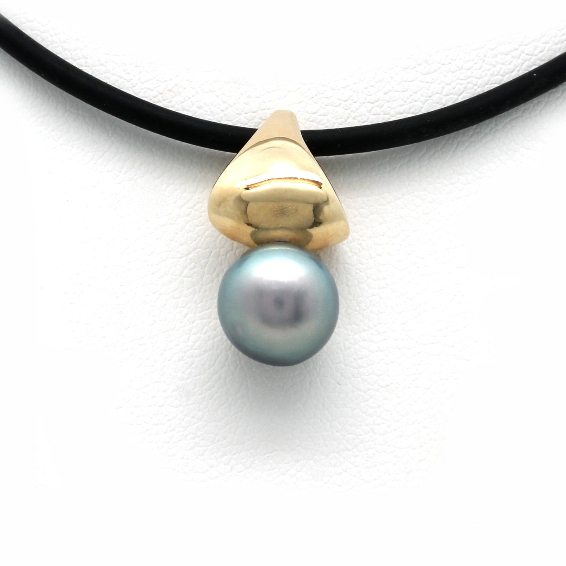 """Slice"" 14K Gold Pendant with Cortez Pearl"