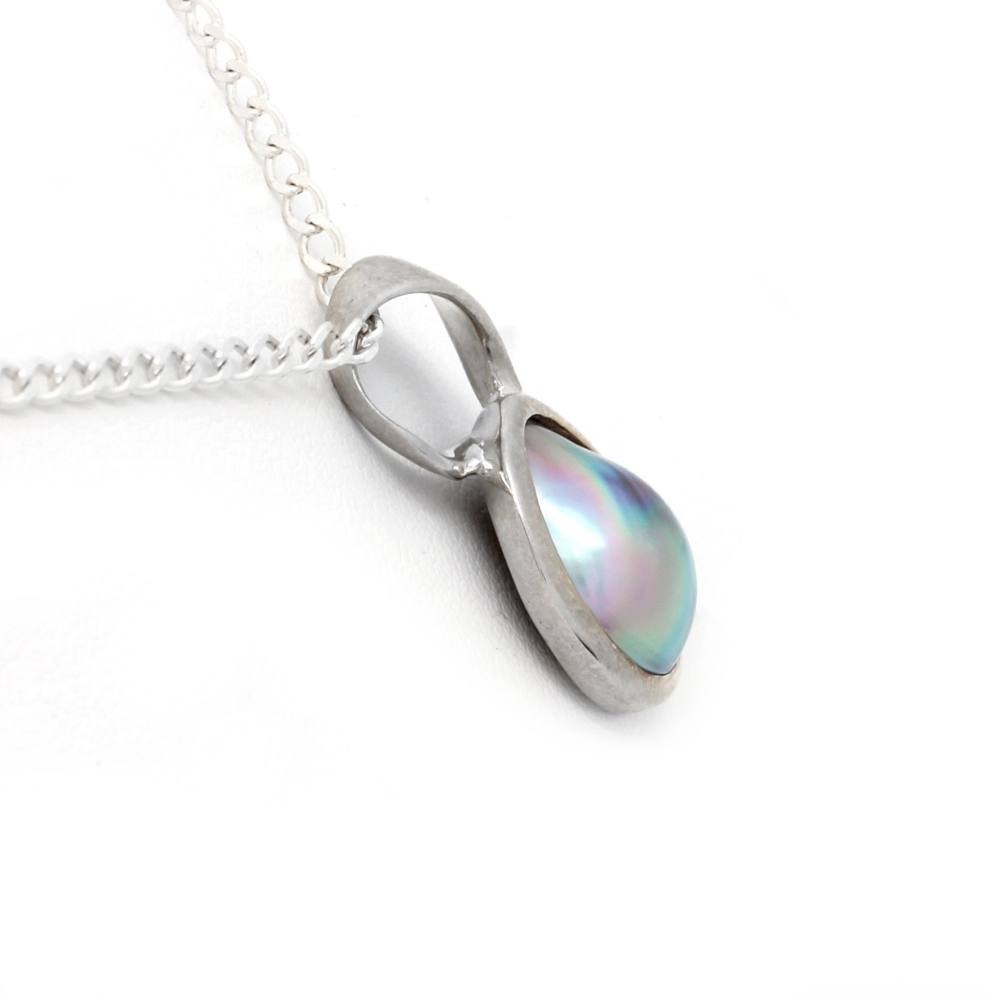 Silver Pendant with Cortez Mabe Pearl by Kathe Mai