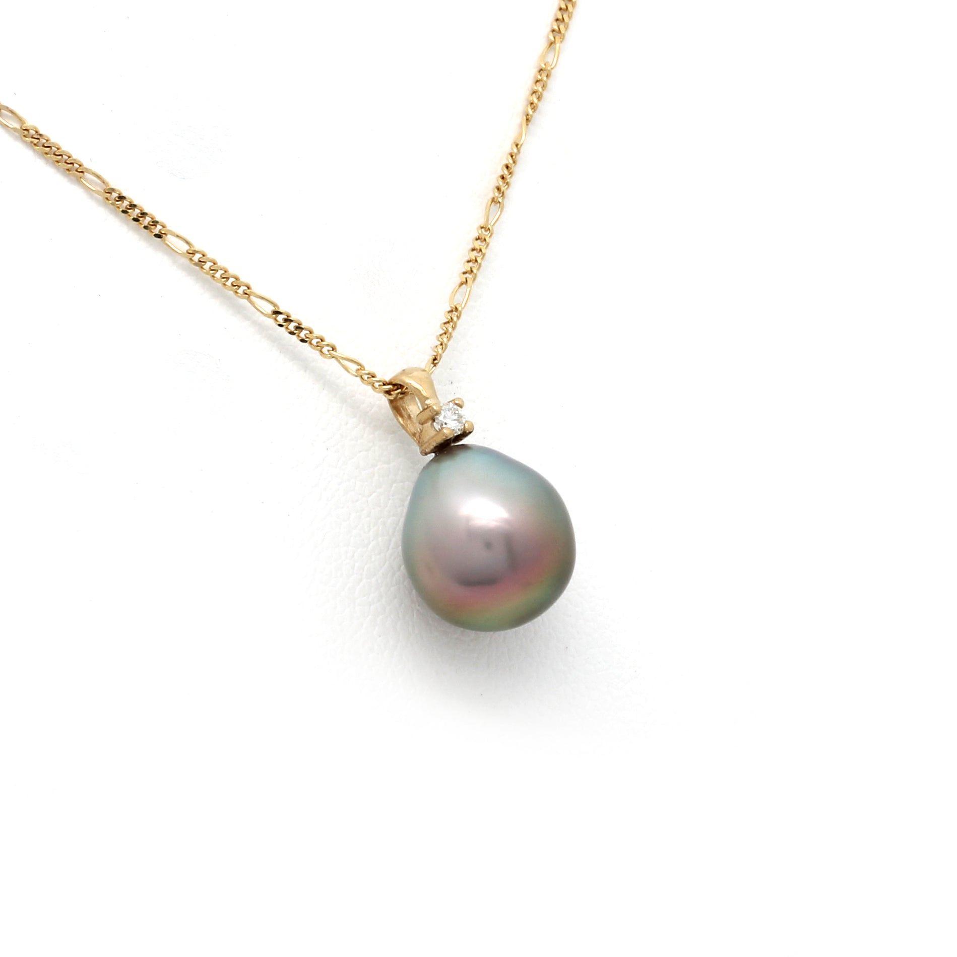14K Yellow Gold Chain with Diamond and a Sea of Cortez Pearl