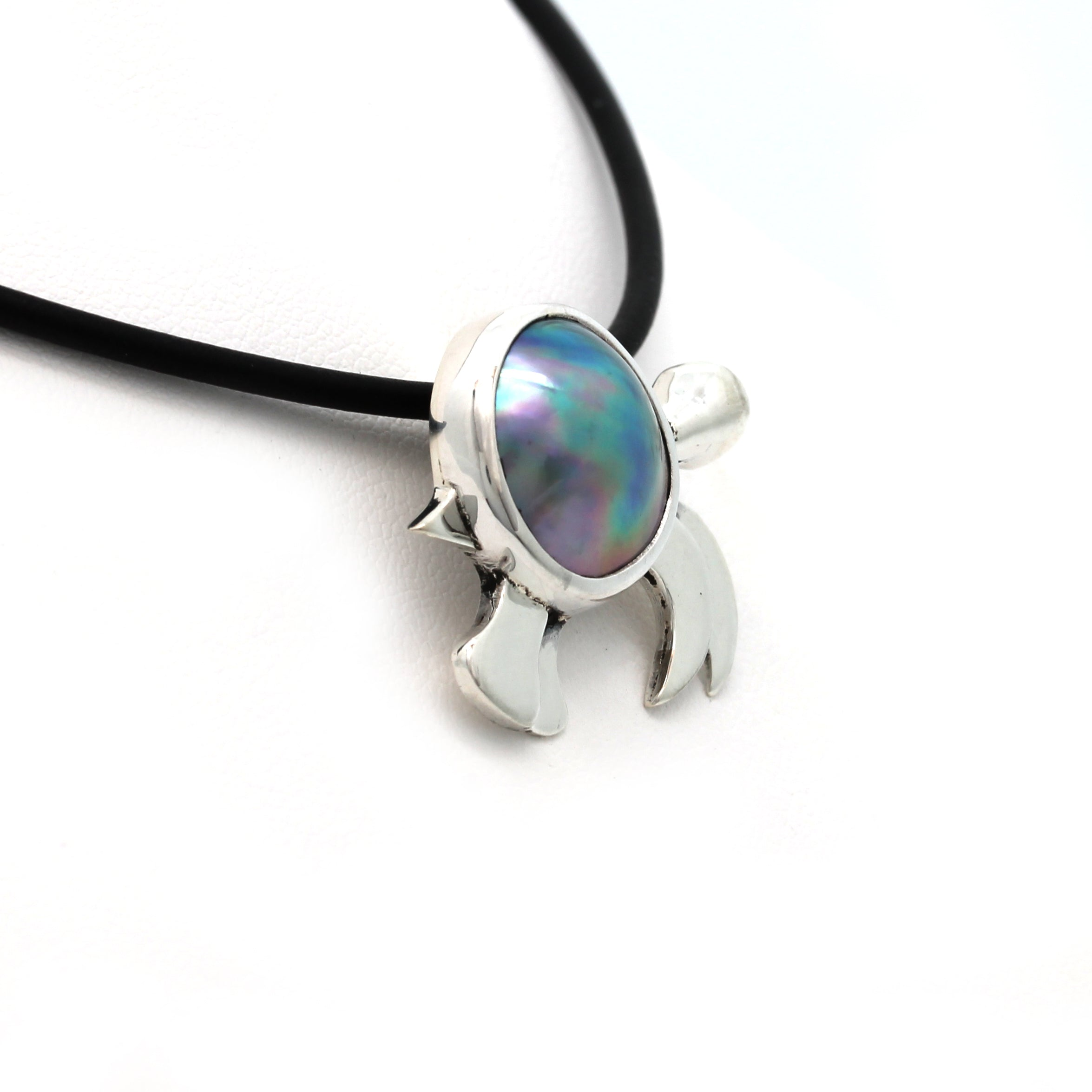 """Sea Turtle"" Silver Pendant with Cortez Mabe Pearl by Priscila Canales"