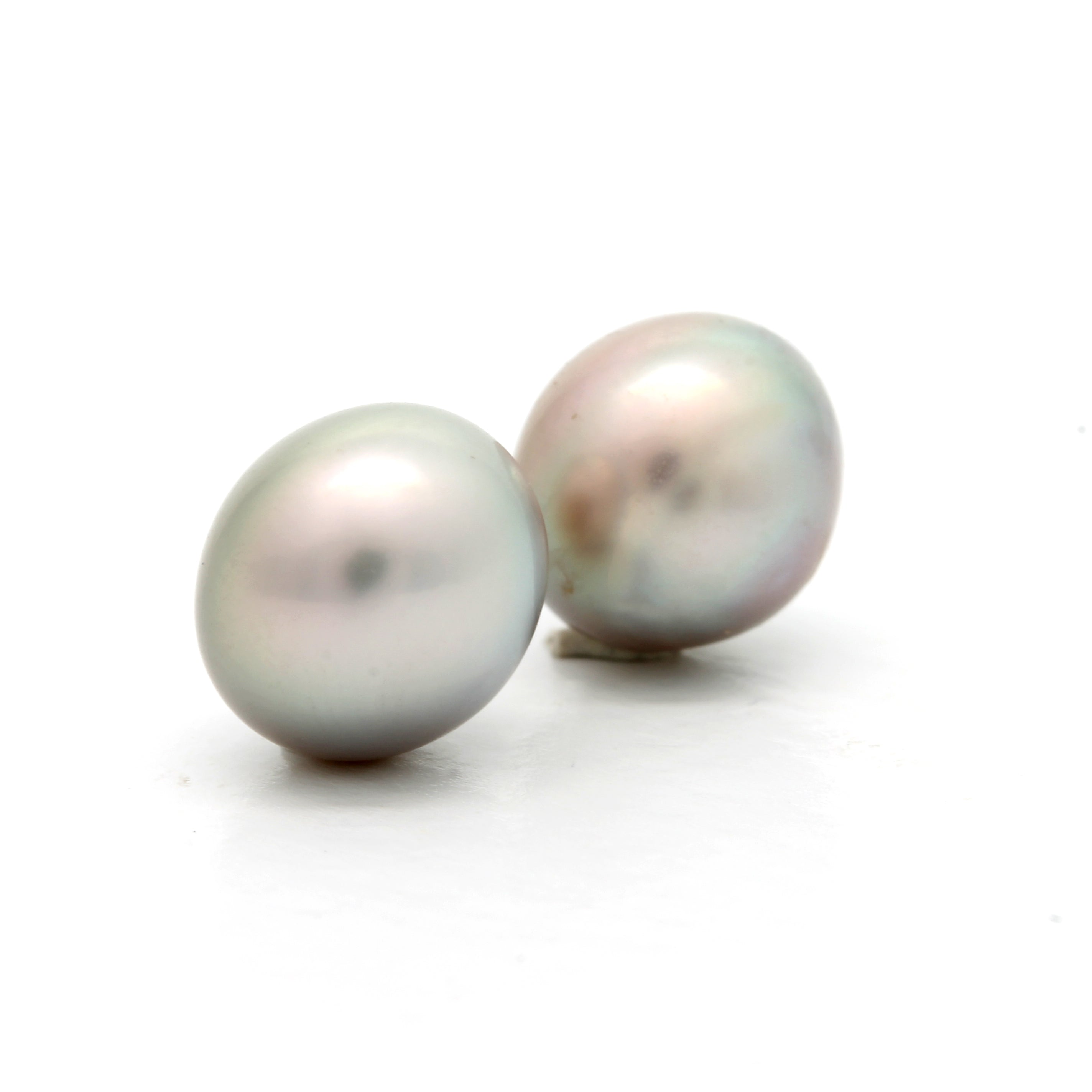 "Pair of ""Button"" 9 mm Cortez Pearls"