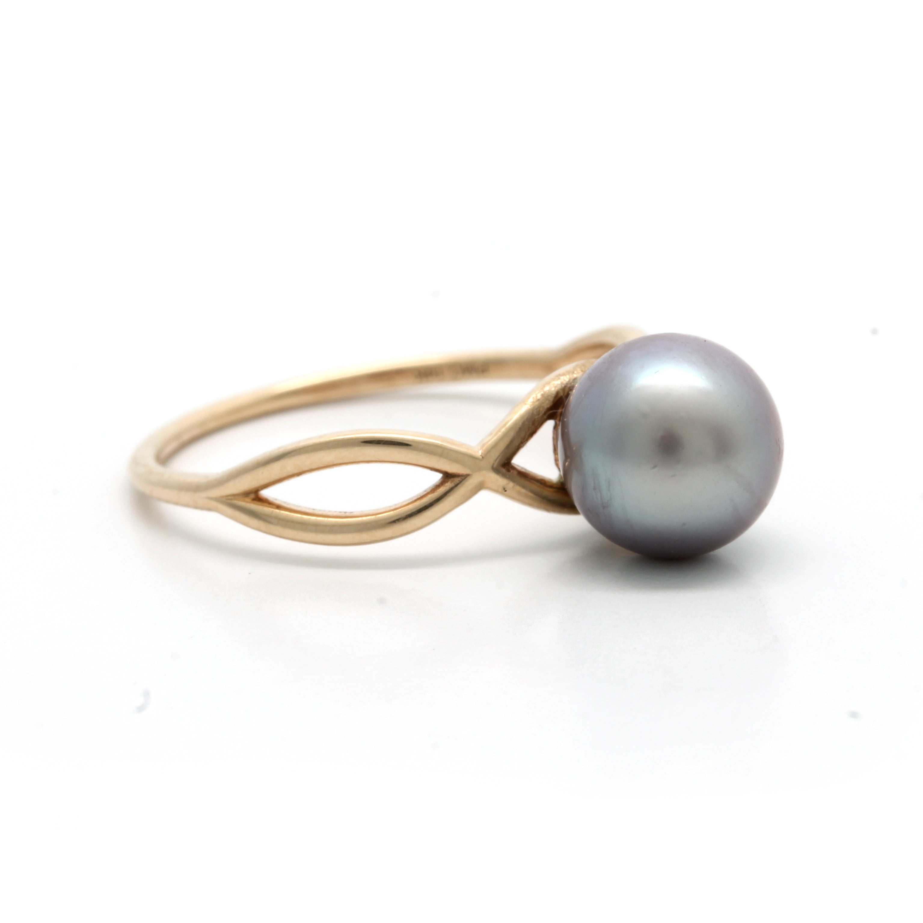 NEW 14K Yellow Gold Ring with a Cortez Pearl