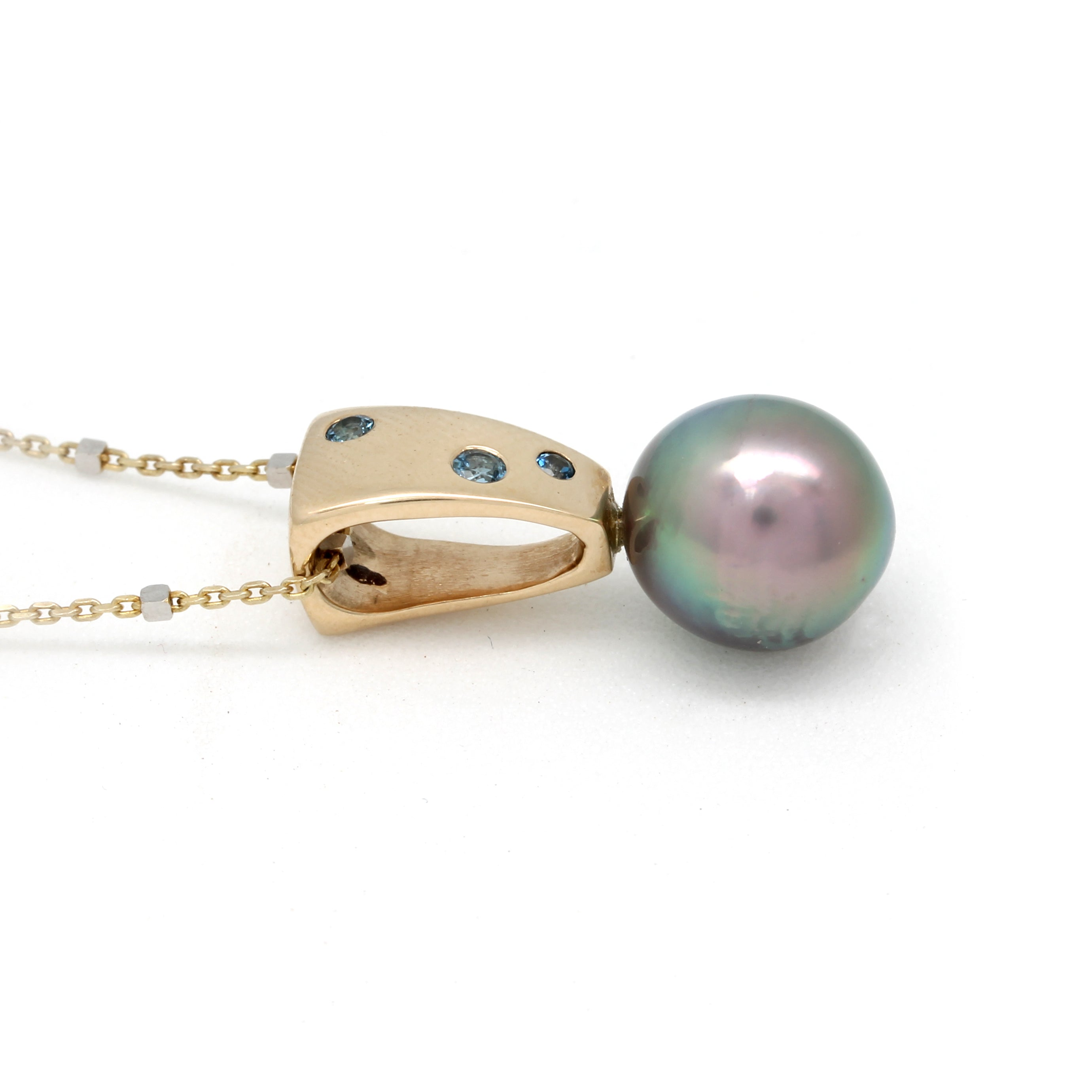 Gold Pendant with Amazing Cortez Pearl