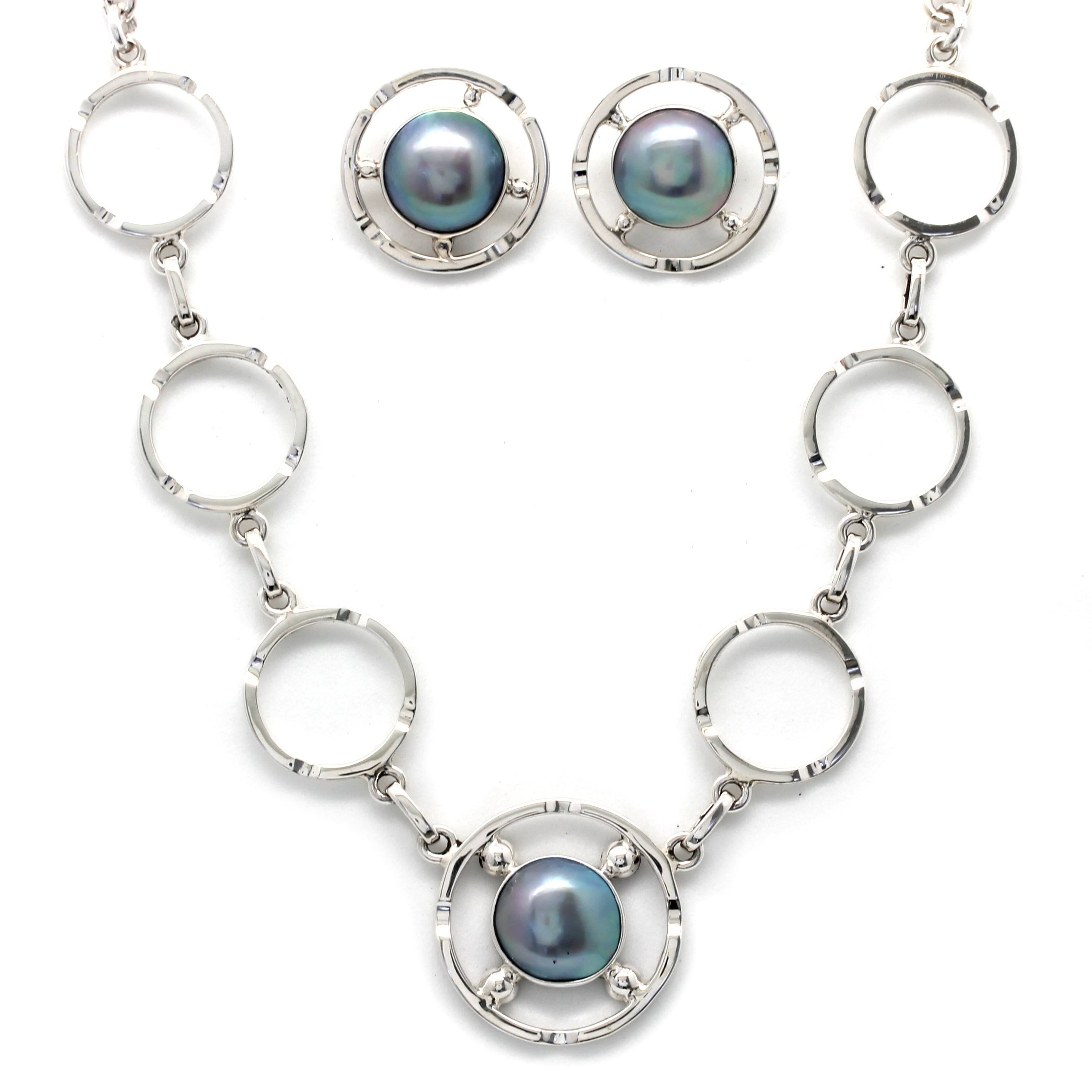 Jewelry Set - Silver Necklace and Earrings with Cortez Mabe Pearls