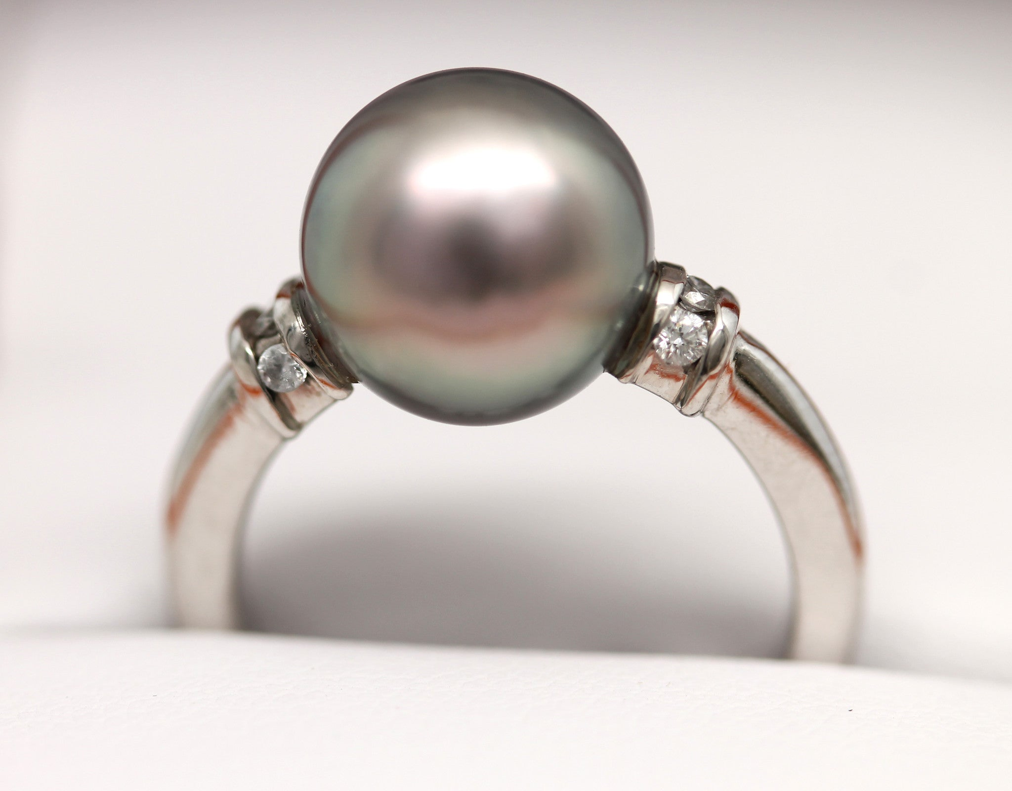 Premium 14K White Gold Ring with stunning Cortez Pearl & Diamonds