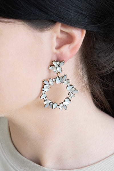 CAPTIVATING BEAUTY CRYSTAL CLEAR EARRINGS