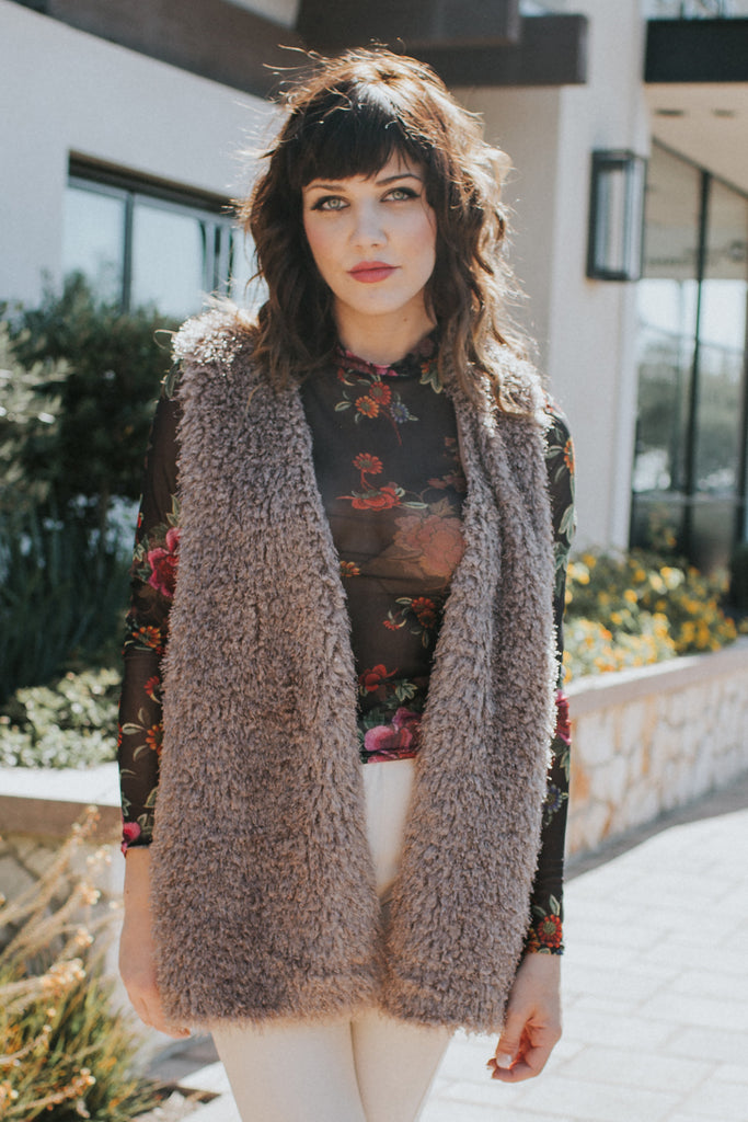 ALLURE CAMEL VEST IN THE CITY