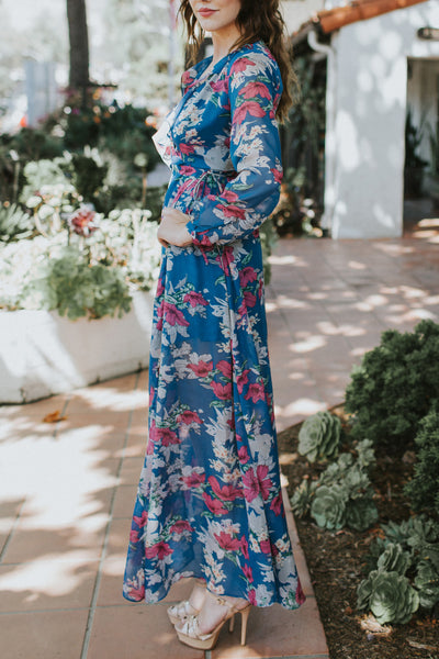 PHOTO PERFECT BLUE FLORAL DRESS
