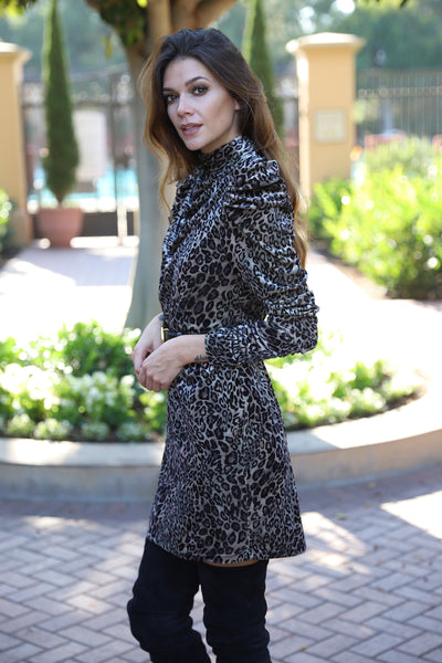 OUTSTANDING EVENING LEOPARD VELVET DRESS