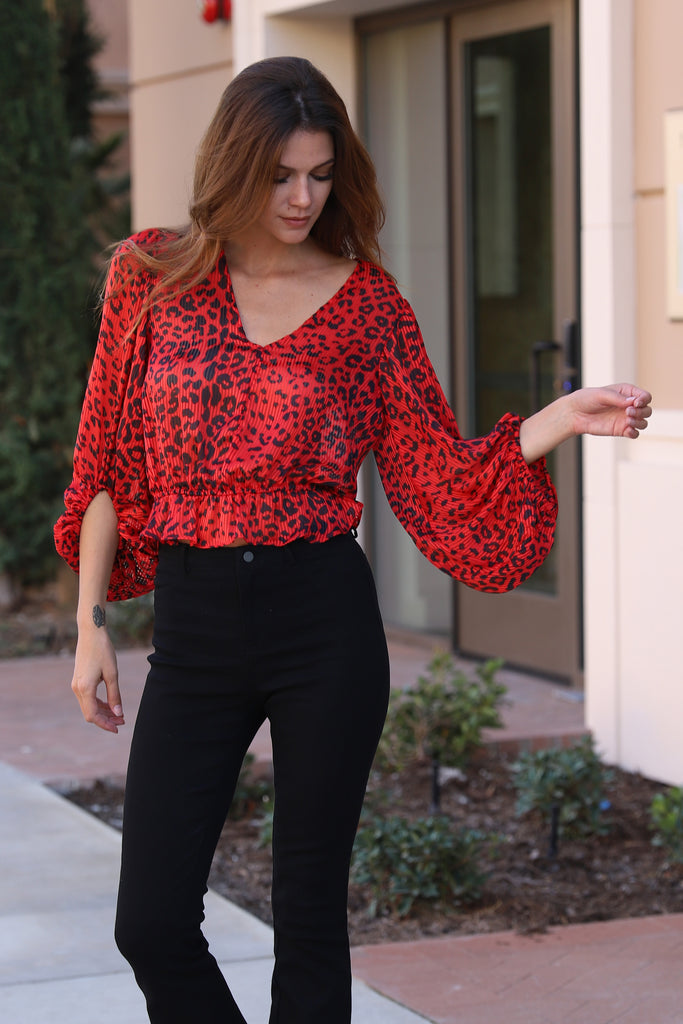 ADORE YOU BALOON SLEEVES RED TOP