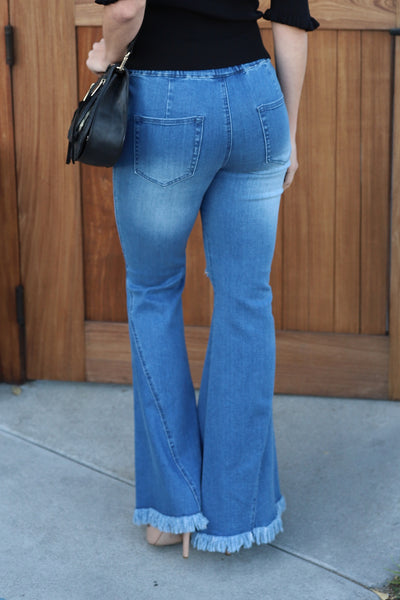 UPTOWN DISTRESSD HIGH WAISTED FLAREJEANS