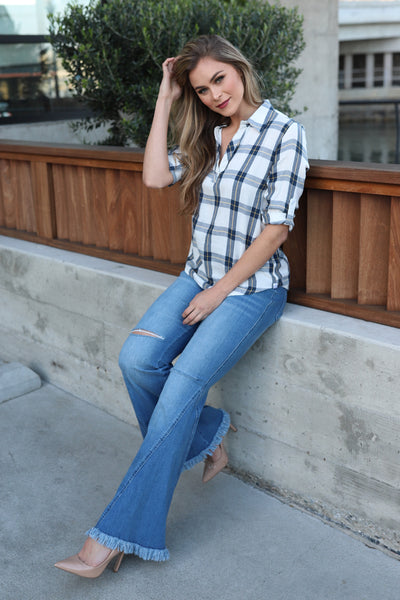 READY FOR WALK PLAID NAVY TOP