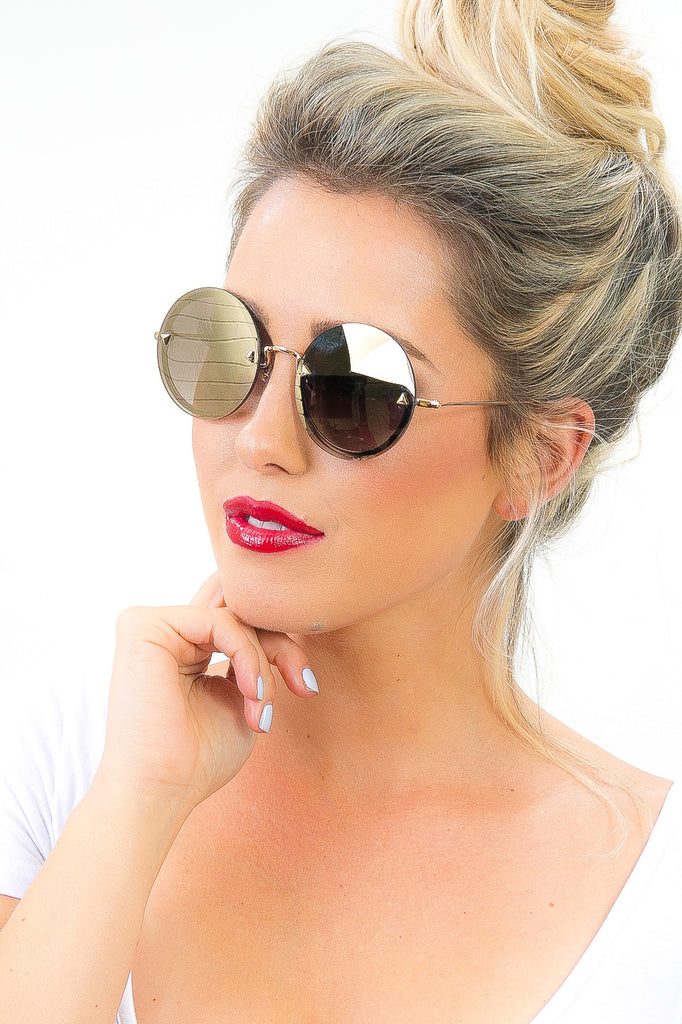 Round Reflective Malibu Sunglasses in Brown