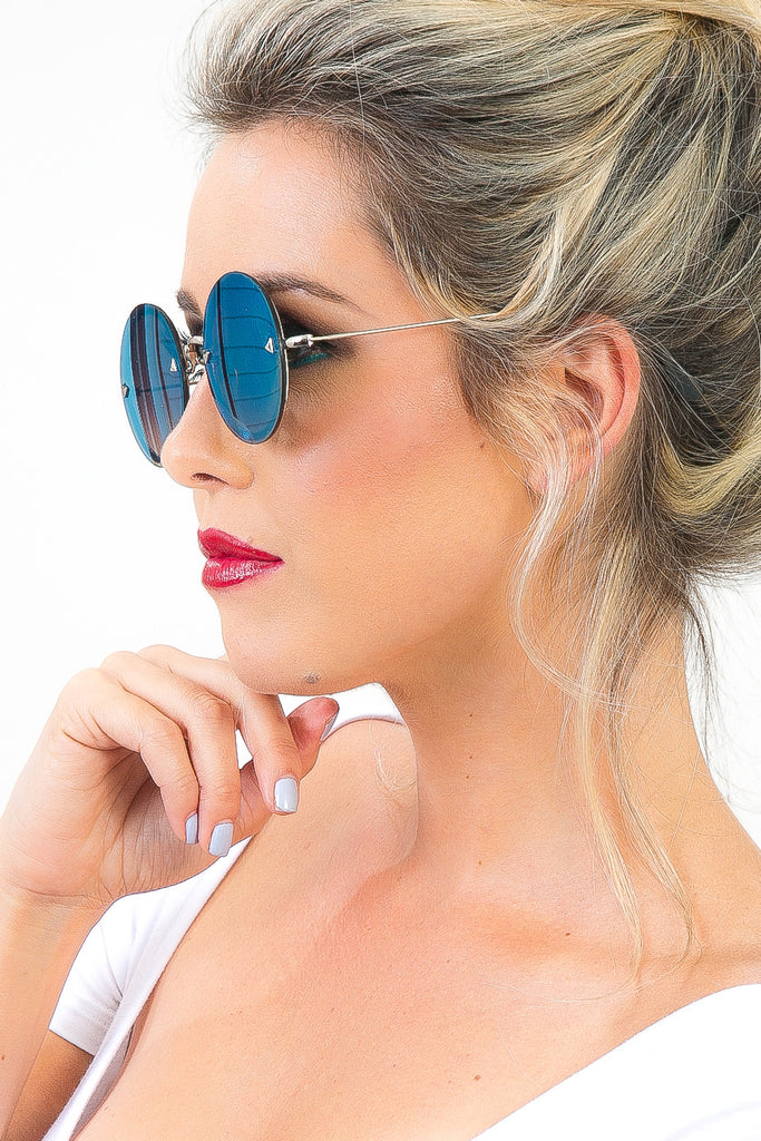 Round Reflective Malibu Sunglasses in Blue