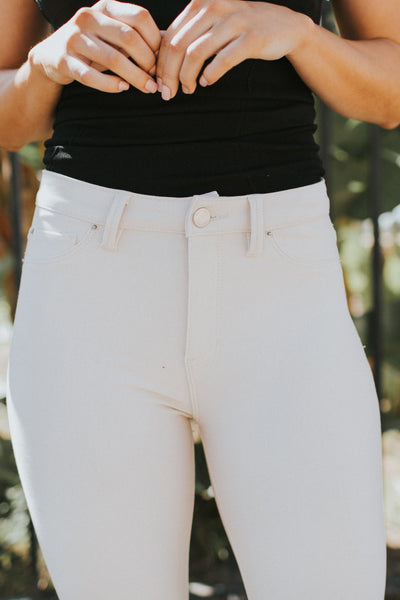 PRE-ORDER: LEO LIGHT BEIGE JEGGINGS