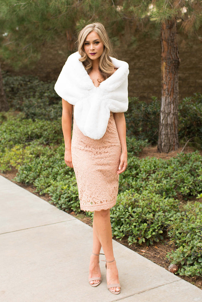 PRE-ORDER: LOVELY FAUX FUR WHITE WRAP