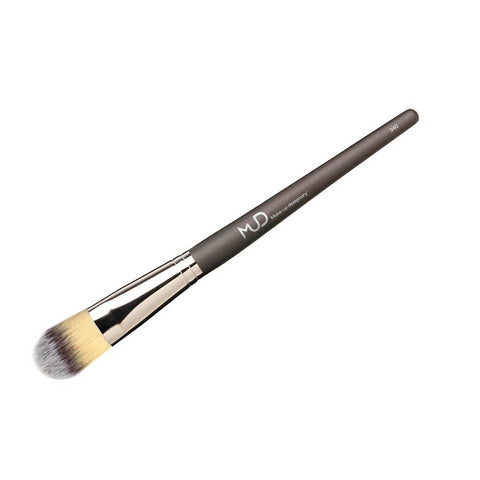 #940S Foundation Synthetic Brush (short handle)