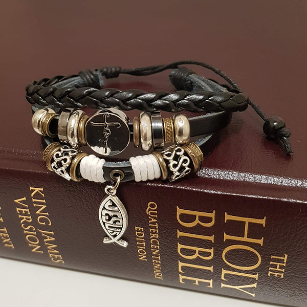 Interacting Faith White Leather Bracelet