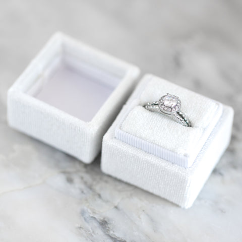 VELVET RING BOX ~ White