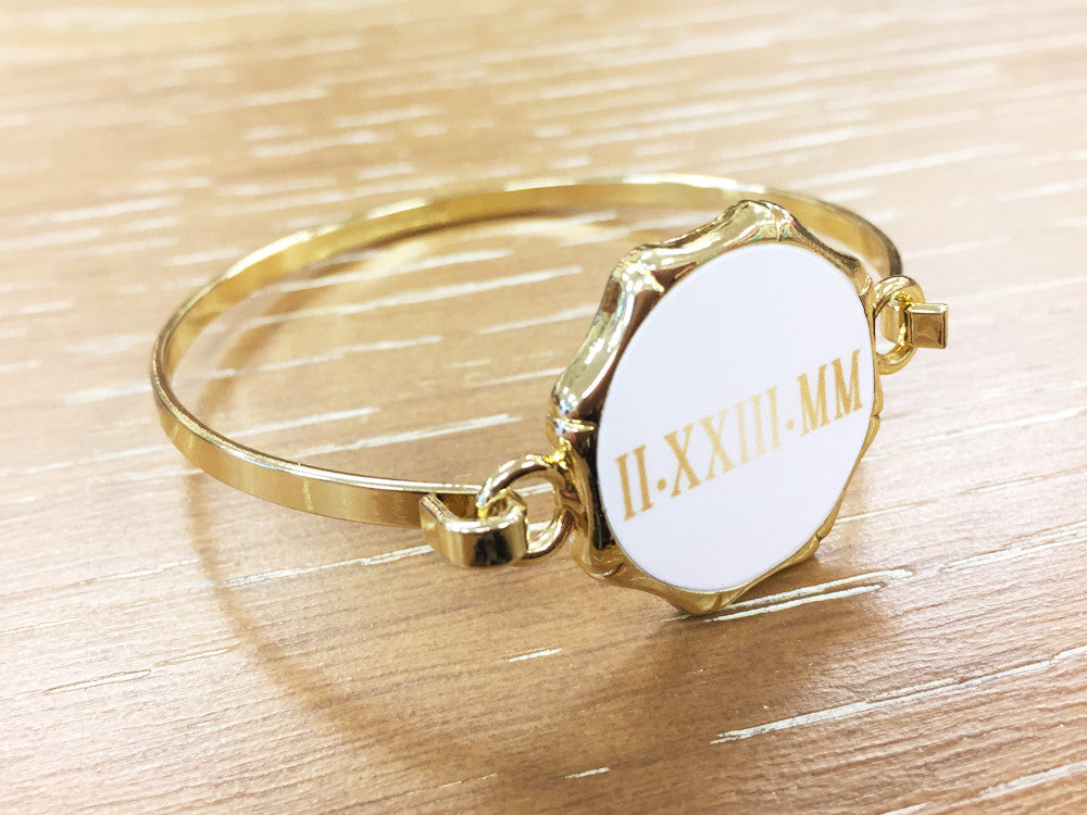 Roman Numerals Bangle Bracelet - Gold