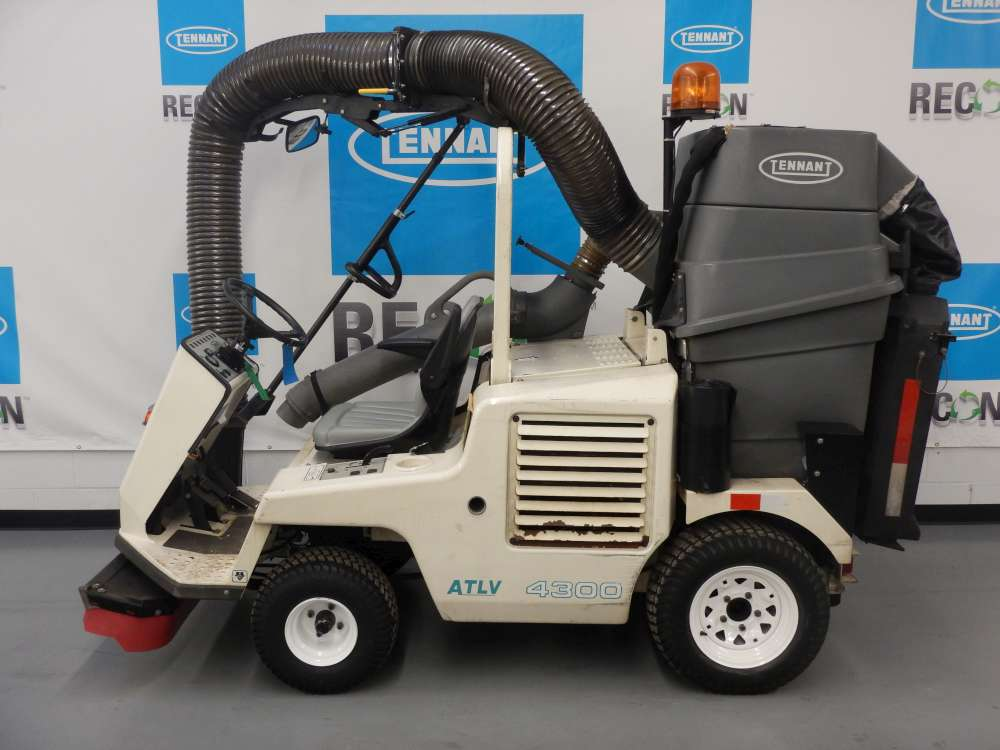 As-Is 4300-1368 Litter Vac