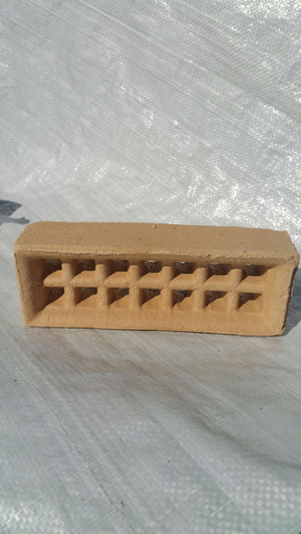 BRICK VENTS - CREAM SINGLE BRICK SLOTTED HOLES