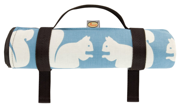 Anorak Kissing Squirrels Picnic Blanket
