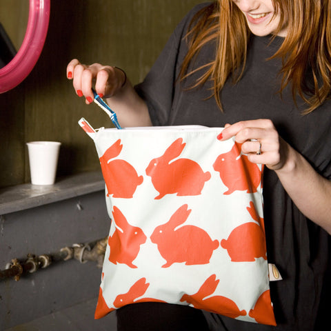Anorak Kissing Rabbits Extra Large Toiletry Bag