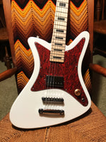 THE PAINTED LADY WHITE/TORT 2020 - Goldfinch Guitars