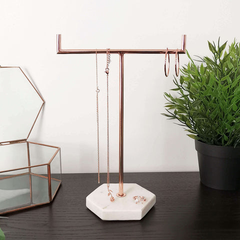 Our rose gold marble jewellery tree stand is the perfect gift for all jewellery lovers. Also available in silver and gold.