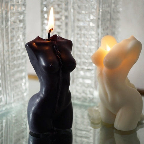 Our naked torso woman candle, created from quality vegan soys wax & organic cotton wicks. Choose from a white or black intricately moulded upper body design that makes the perfect feminine home accessory.