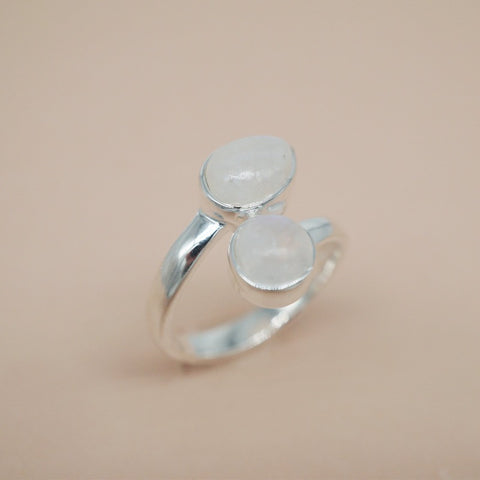 EDANA Moonstone Ring - Sterling Silver