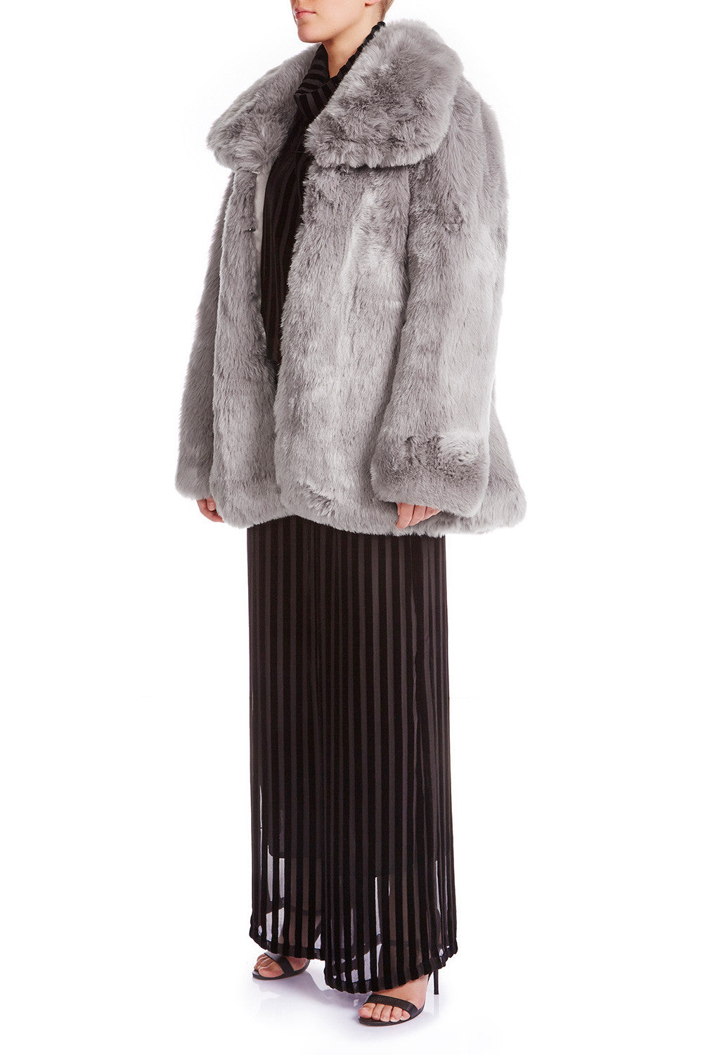 SKYE Oversized Faux Fur Coat - HAUS OF SONG