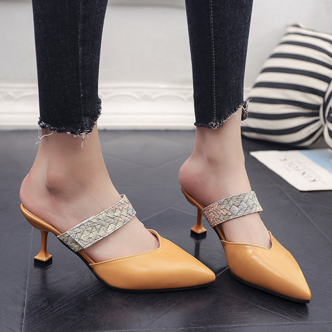Pointed women's shoes_shoes 2020 new style baotou rivet