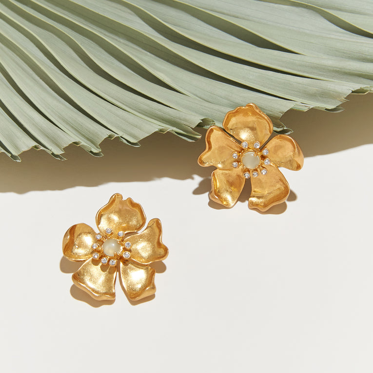 Elodie Flora Stud Earrings Gold