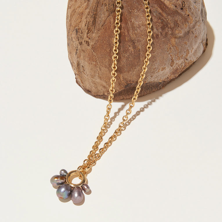 Margot Pearl Necklace Gray Gold