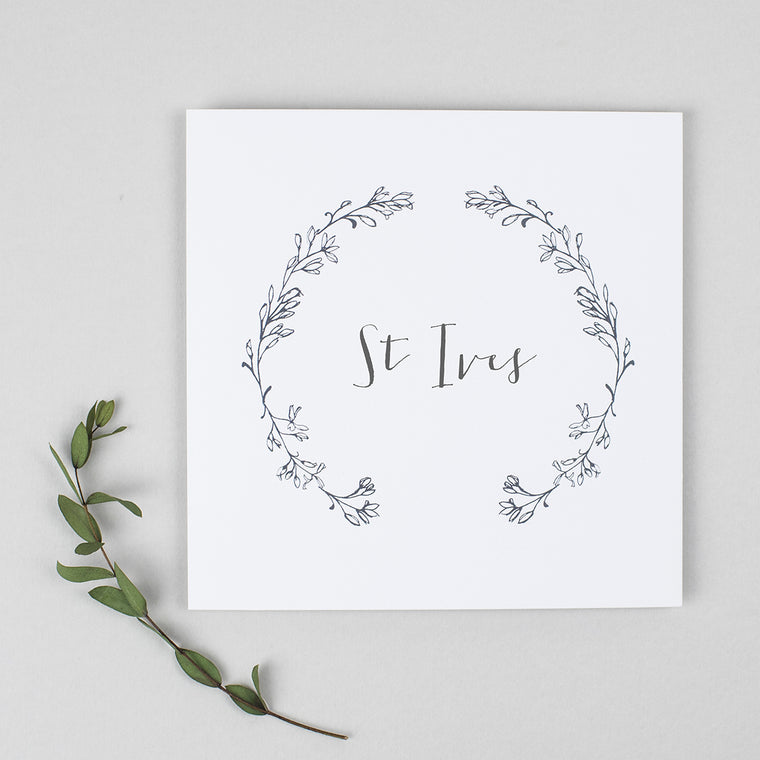 Delicate Laurel Pack of Table Names