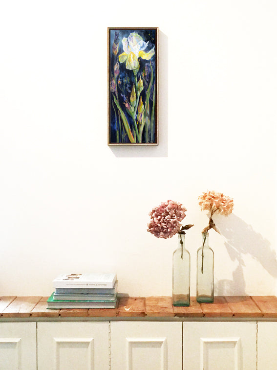 Botanical-Beauty-series-Soul-Survivor-Lies-Goemans-20x50cm-flower-painting-floral-flower-iris-bloemschilderij-interior