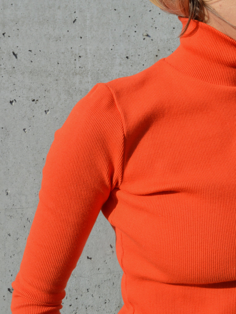 ADAMO orange turtleneck
