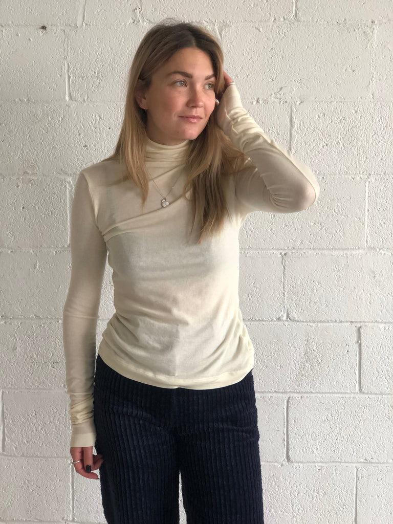 BALSAM cream turtleneck