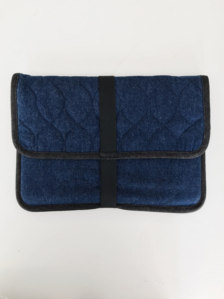 CREW laptop sleeve