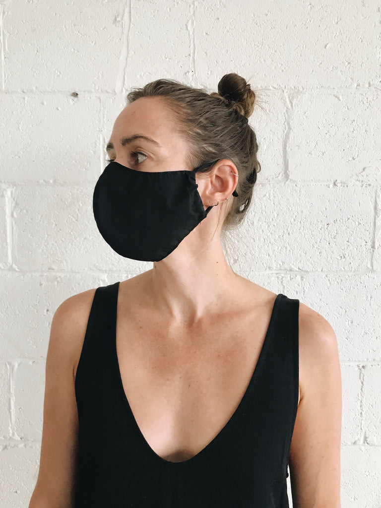 FACE MASK in black