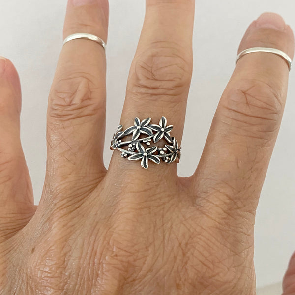 Sterling Silver Bunch of Lillies Ring, Flower Ring, Silver Rings, Lily Ring