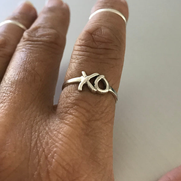 Sterling Silver XO Hugs and Kisses Ring